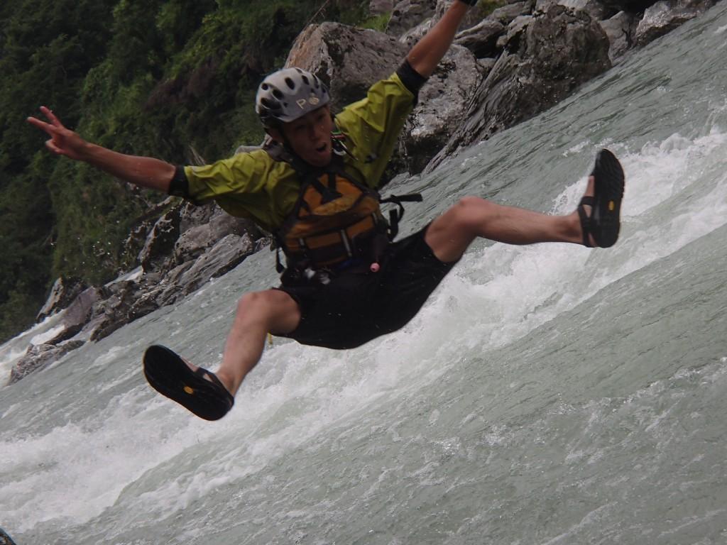 吉野川ラフティング,大歩危,小歩危,飛び込み,ジャンプ,