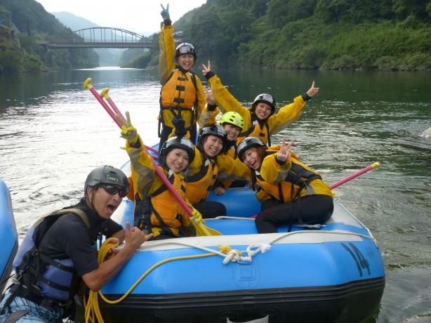 激流 清流 吉野川 夏休み 休日 休暇 綺麗な水 ラフティング